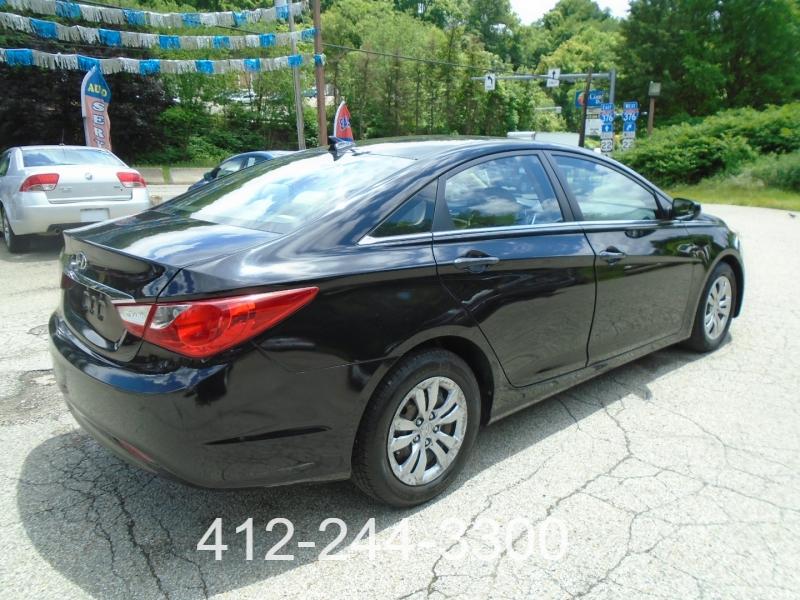 Hyundai Sonata 2011 price $8,990