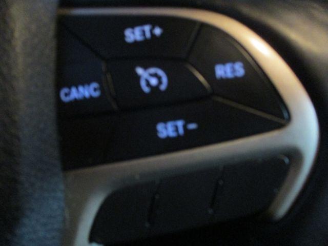 Jeep Grand Cherokee 2016 price $25,999