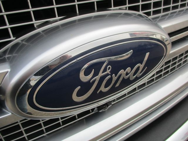 Ford F150 SuperCrew Cab 2015 price $38,999