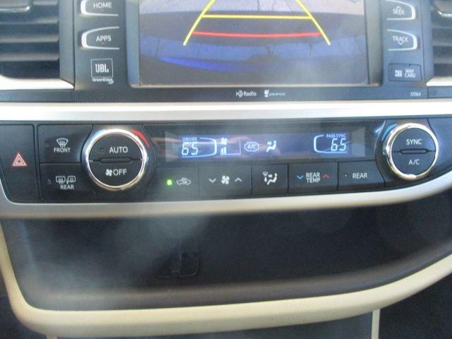 Toyota Highlander 2015 price $32,999