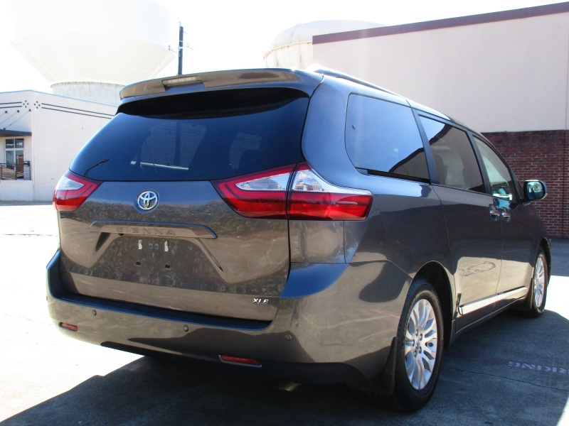 Toyota Sienna XLE,With Navigation,Compass 2017 price $26,995
