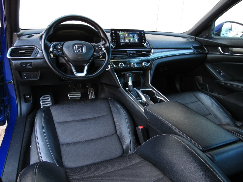 Honda Accord Sport,Apple,Android Car-Play 2019 price $23,995