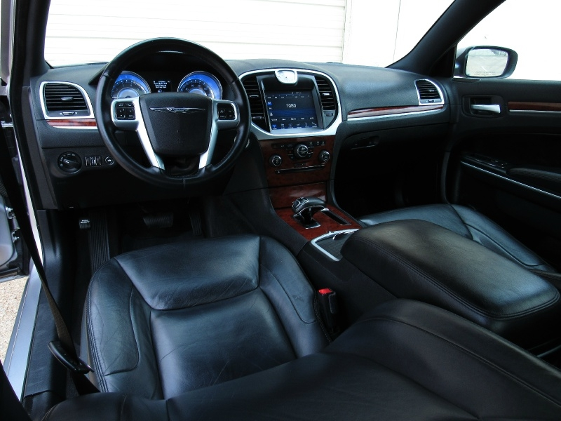 Chrysler 300 Bluetooth,Uconnect Touch Screen 2013 price $10,995