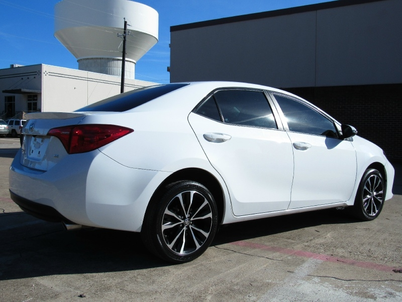 Toyota Corolla SE With Only 20K Mile 2018 price $14,995