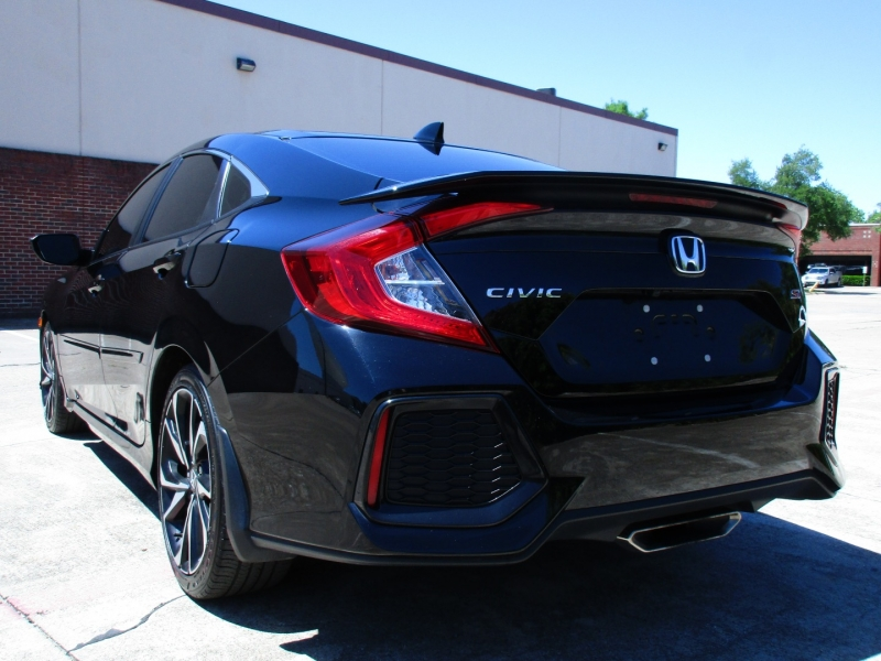 Honda Civic Si,Apple & Android Car-Play 2018 price $18,495