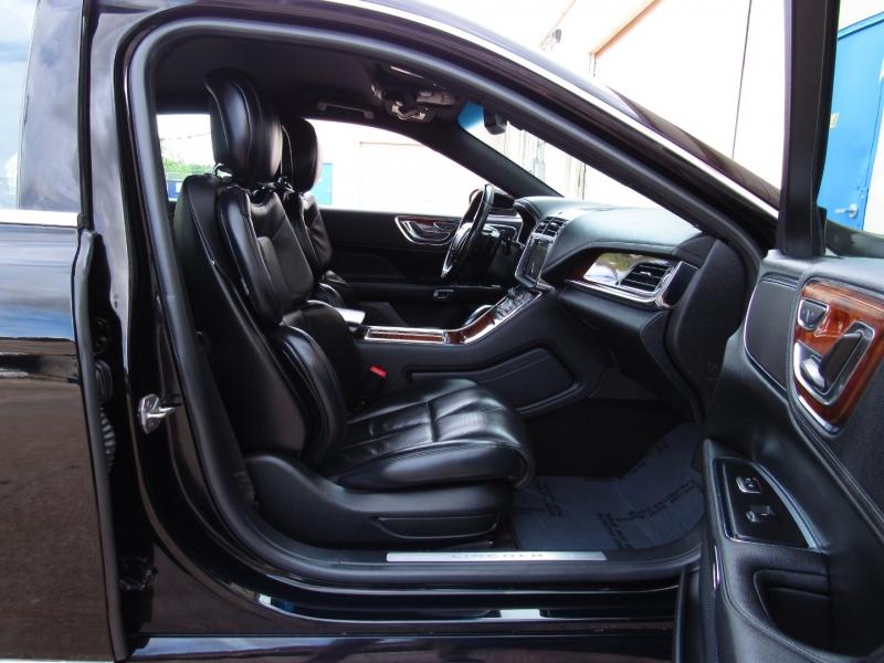 Lincoln Continental 2017 price $33,495