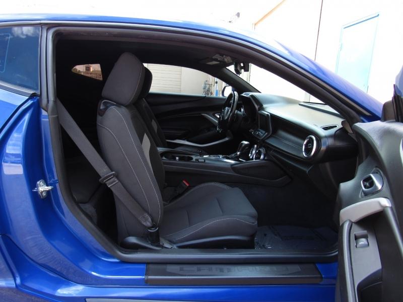 Chevrolet Camaro 2019 price $29,995