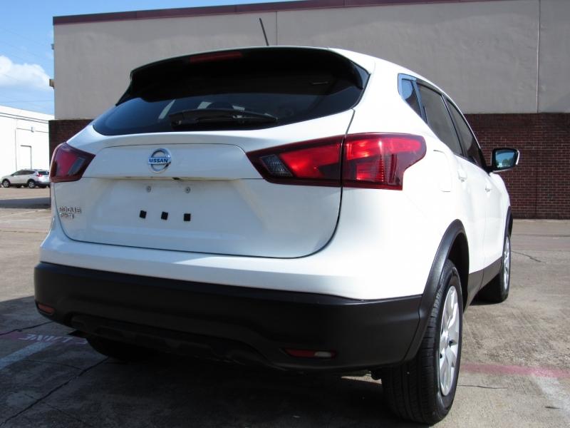 Nissan Rogue Sport 2019 price $22,995