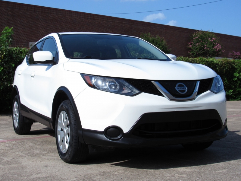 Nissan Rogue Sport 2019 price $22,495