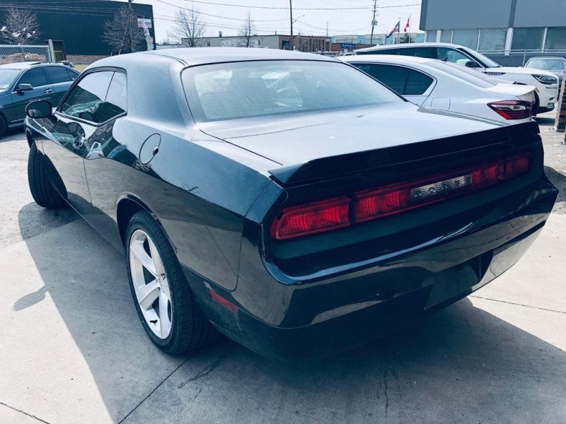 Dodge Challenger 2010 price $15,550