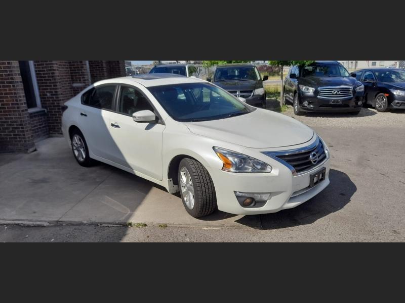 Nissan Altima 2014 price $10,550