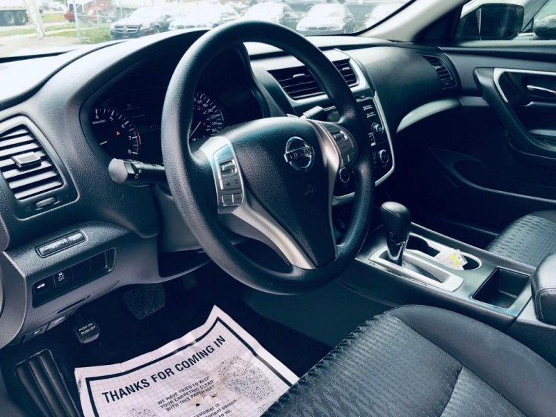 Nissan Altima 2016 price $11,550