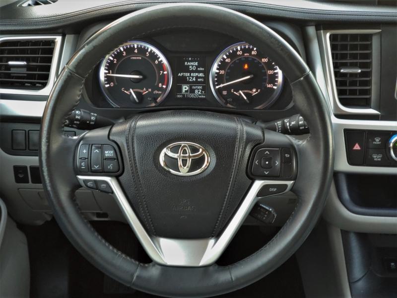 Toyota Highlander 2014 price $17,999