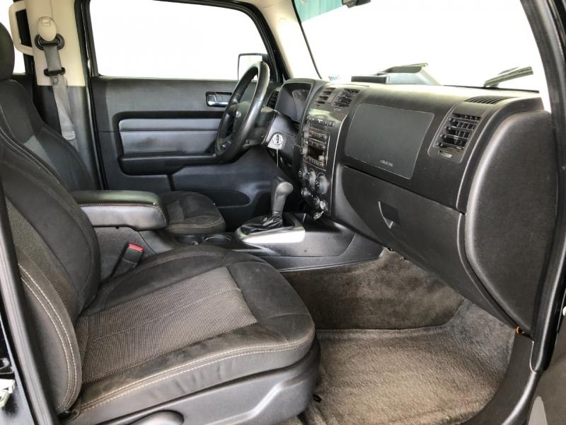 Hummer H3 2009 price $10,995