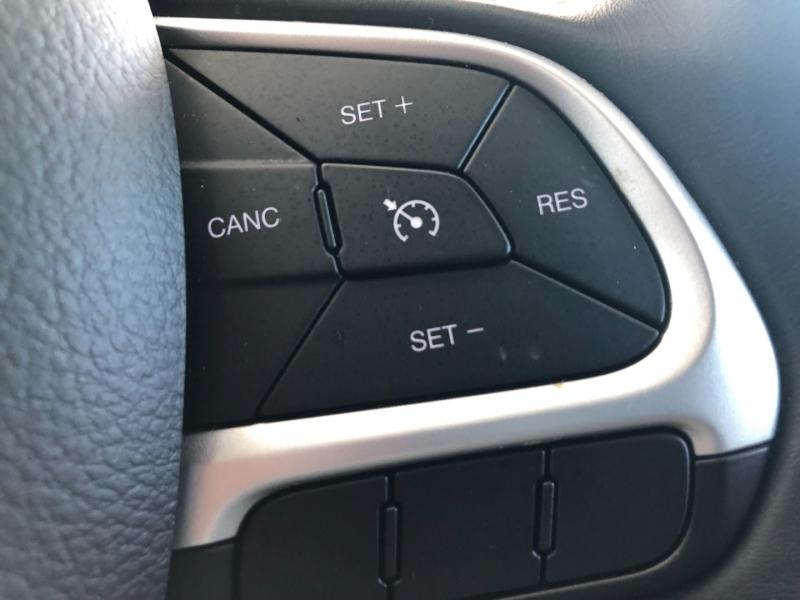 Jeep Compass 2018 price $22,995