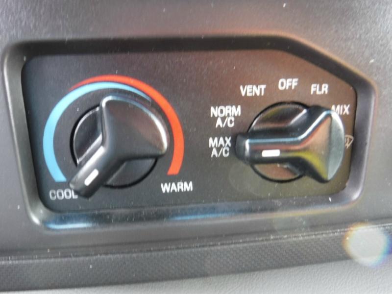 Ford Econoline Cargo Van 2010 price $11,950