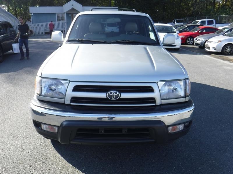 Toyota 4Runner 2000 price $7,950