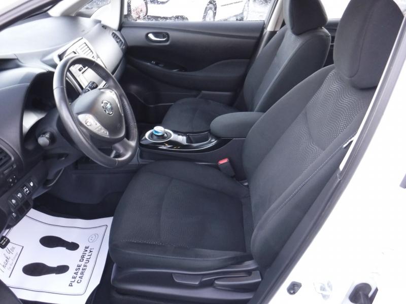 Nissan LEAF 2017 price $18,950