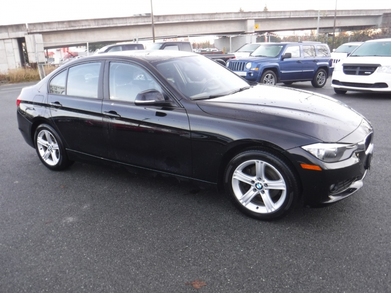 BMW 3-Series 2015 price $18,950