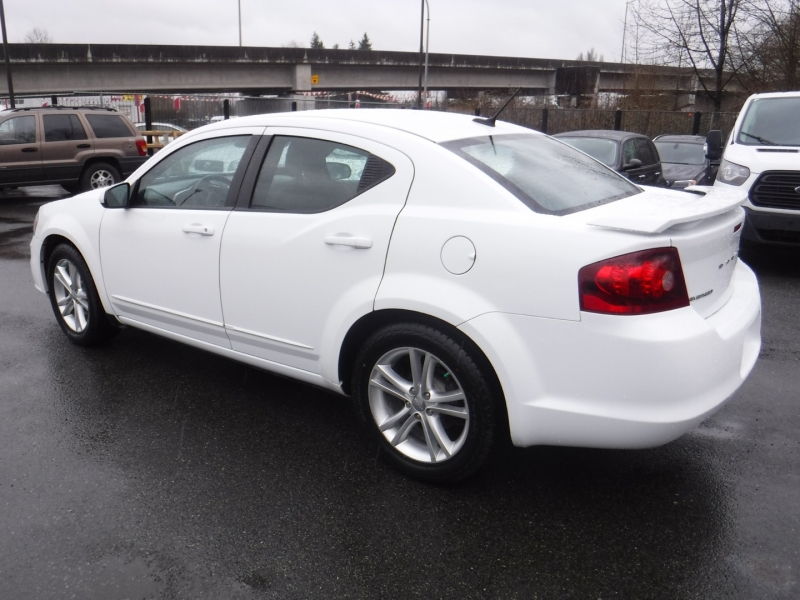 Dodge Avenger 2013 price $7,950