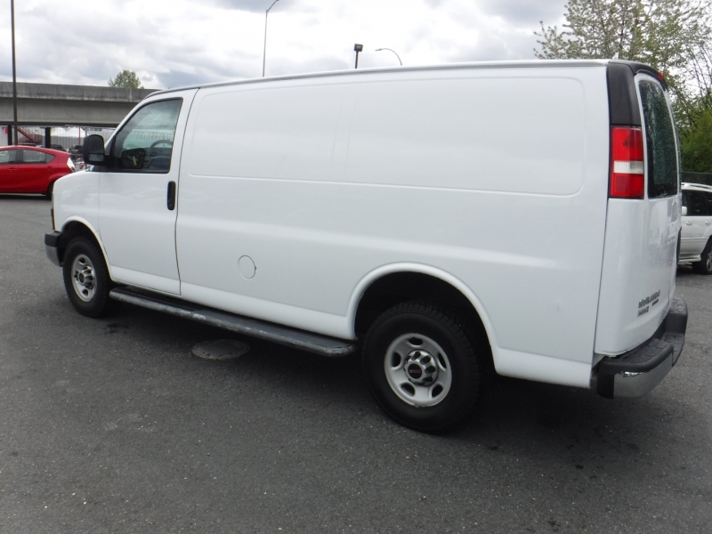 GMC Savana Cargo Van 2015 price $23,950