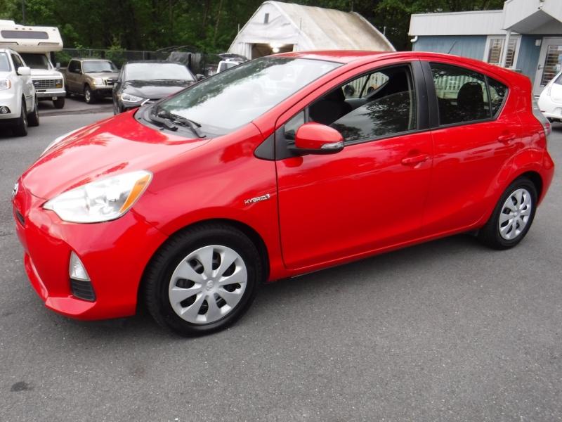 Toyota Prius c 2013 price $12,950