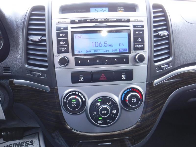 Hyundai Santa Fe 2010 price $8,950