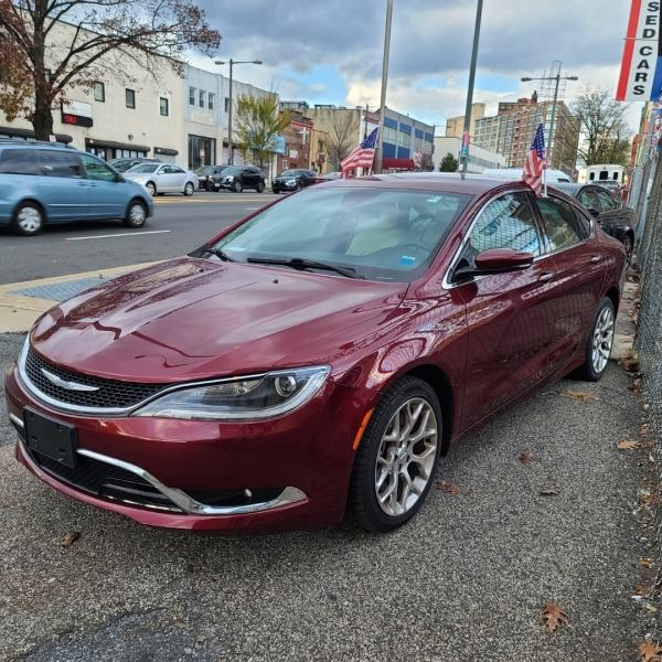 Chrysler 200 2015 price $13,812