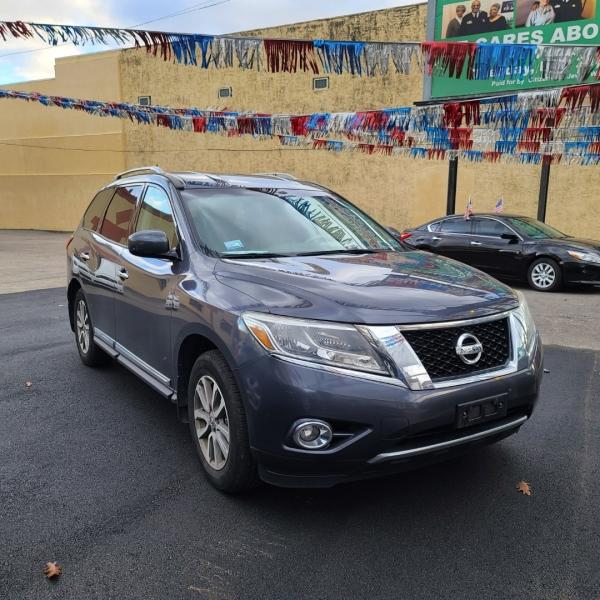 Nissan Pathfinder 2014 price $15,928