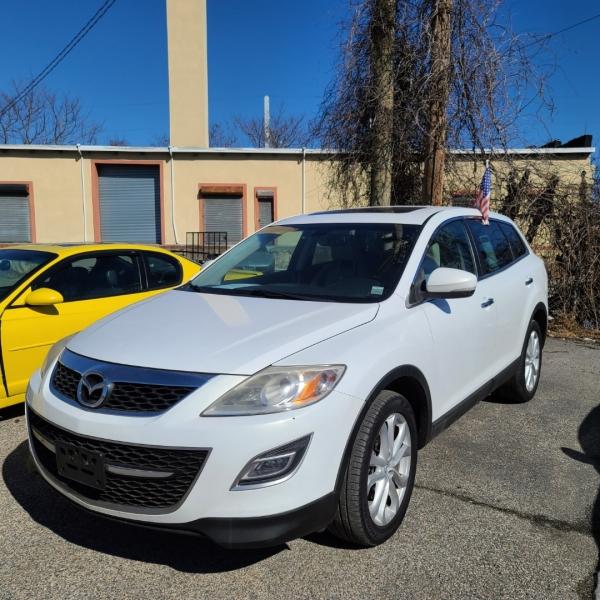 Mazda CX-9 2011 price $9,995