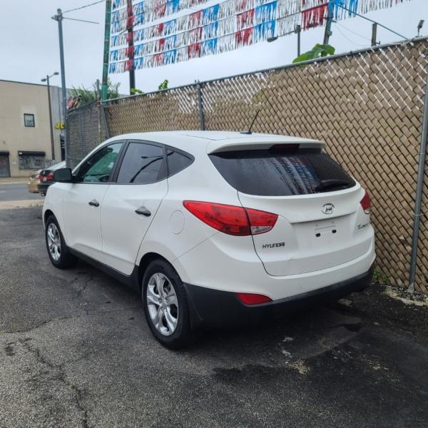 Hyundai Tucson 2013 price $11,995