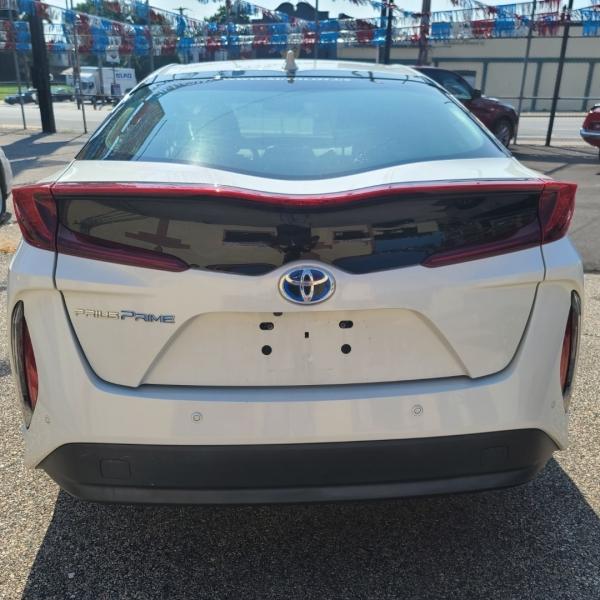 Toyota Prius Prime 2017 price $24,999
