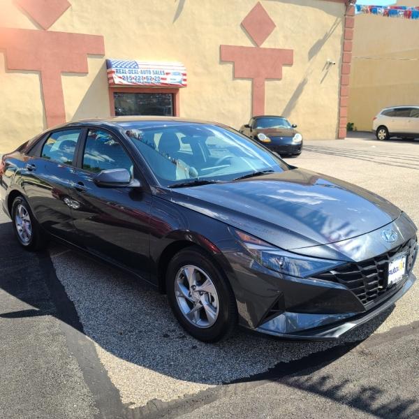 Hyundai Elantra 2021 price $24,900