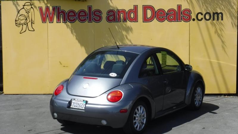 Volkswagen Beetle 2004 price $3,999