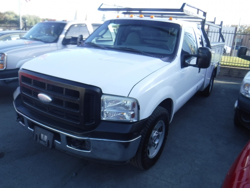 Ford F350 2005 price $5,999