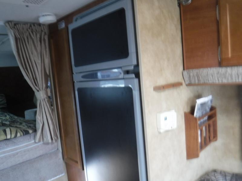 Lance 850 2010 price $12,750