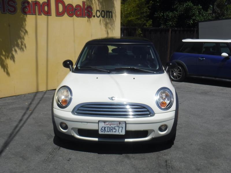 Mini Cooper 2009 price $7,999