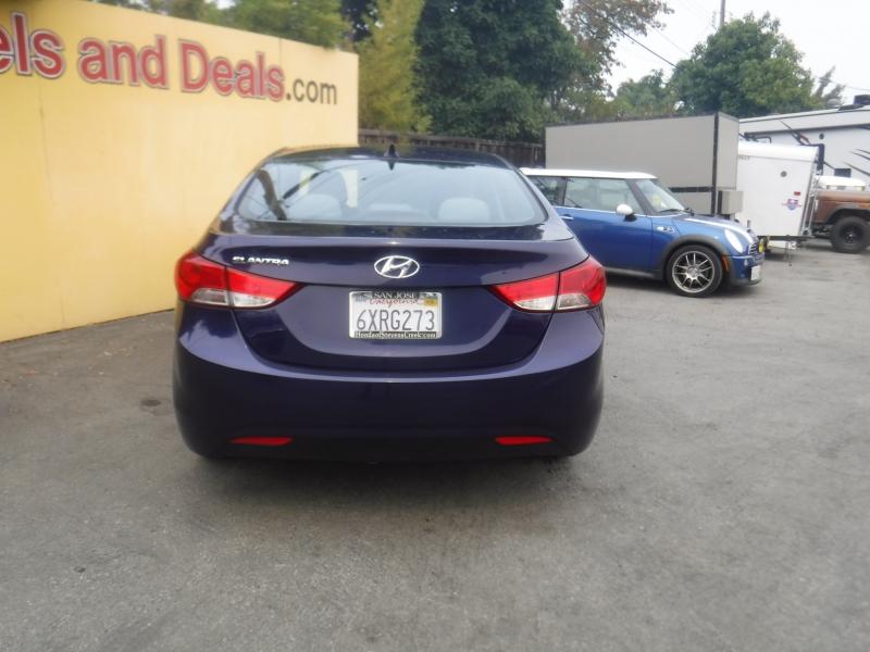 Hyundai Elantra 2011 price $7,750