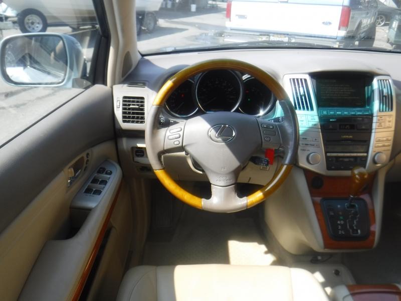 Lexus Rx330 2005 price $3,995