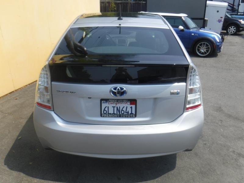 Toyota Prius 2010 price $8,000