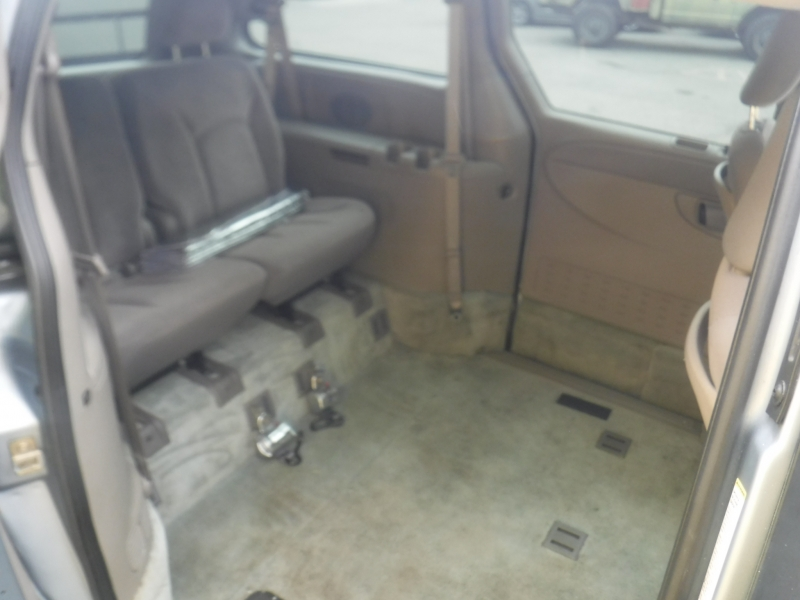 Chrysler Town & Country 2002 price $8,000