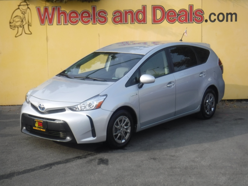 Toyota Prius 2016 price $13,800
