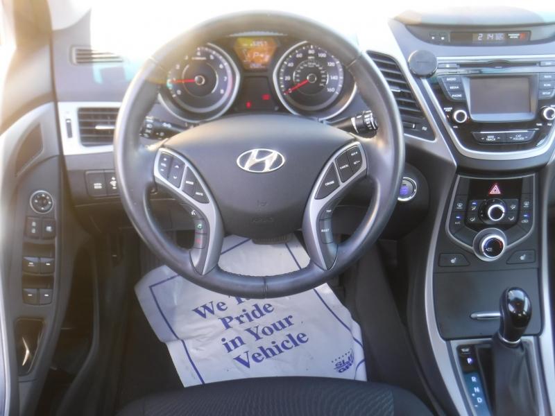 Hyundai Elantra 2016 price $14,850