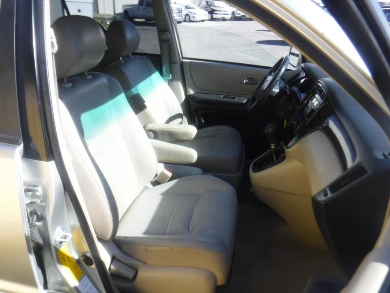Toyota Highlander 2001 price $5,100