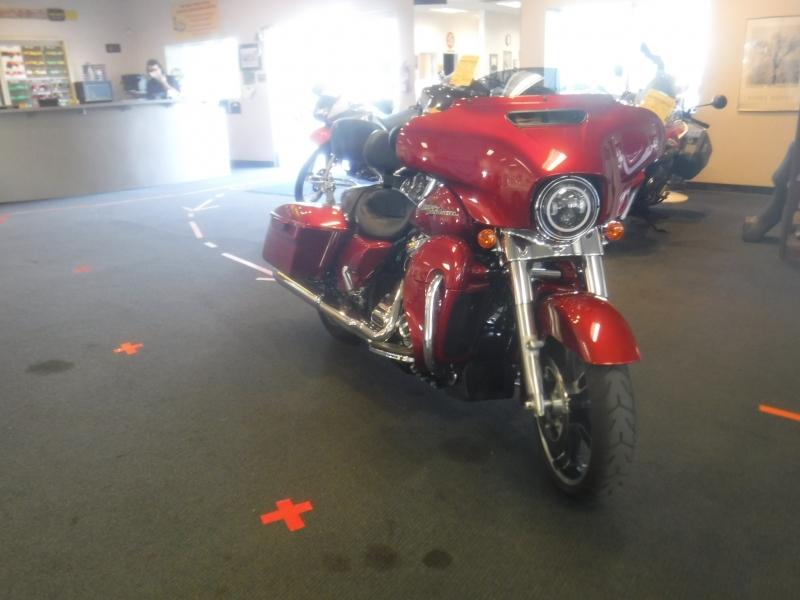 Harley-davidson Street Glide 2018 price $22,500