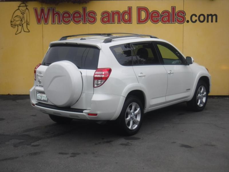 Toyota Rav4 2009 price $9,499