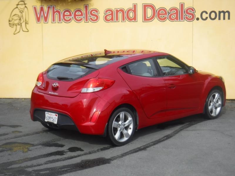 Hyundai Veloster 2013 price $6,695