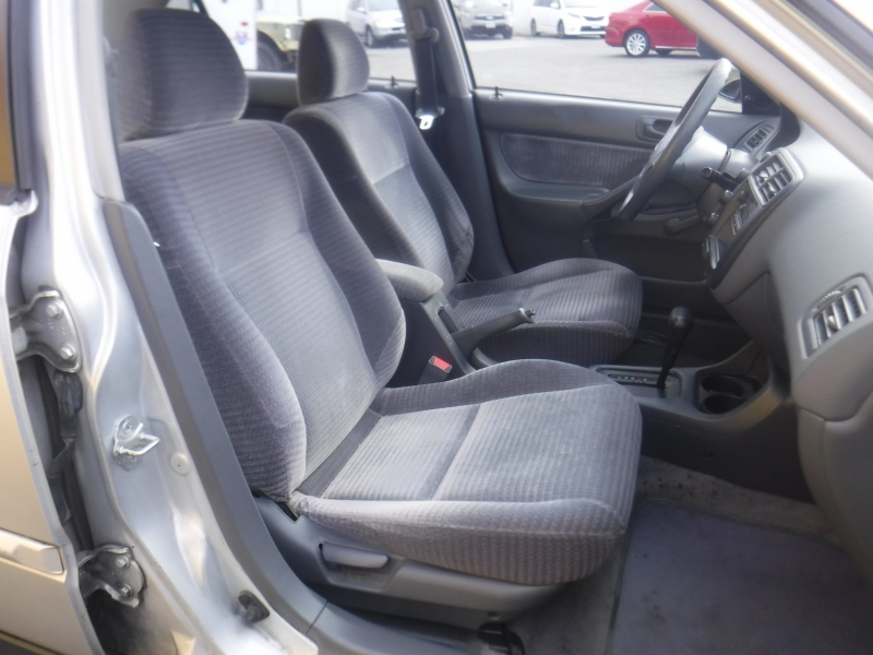 Honda Civic 2000 price $2,995
