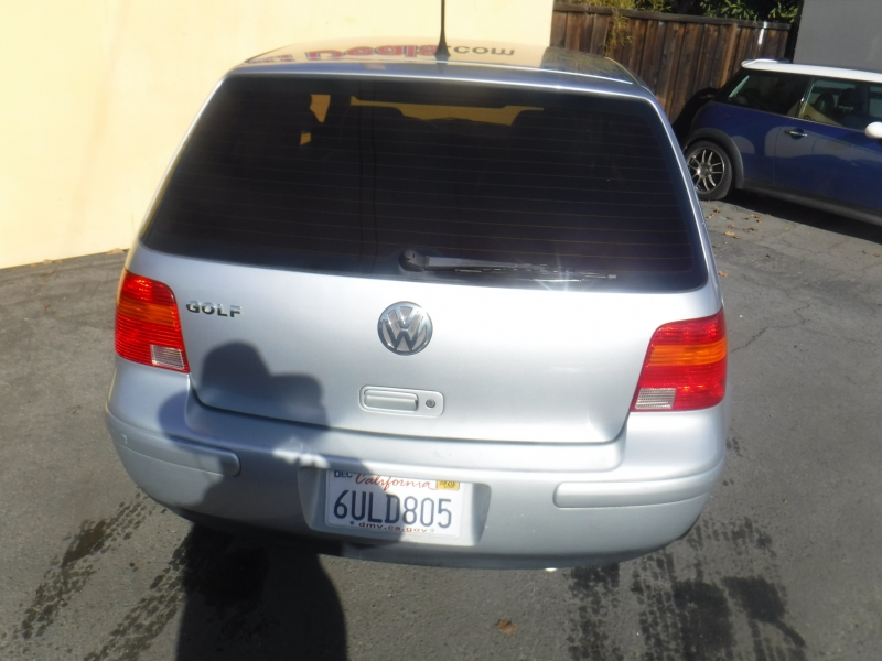 Volkswagen Golf 2004 price $5,350
