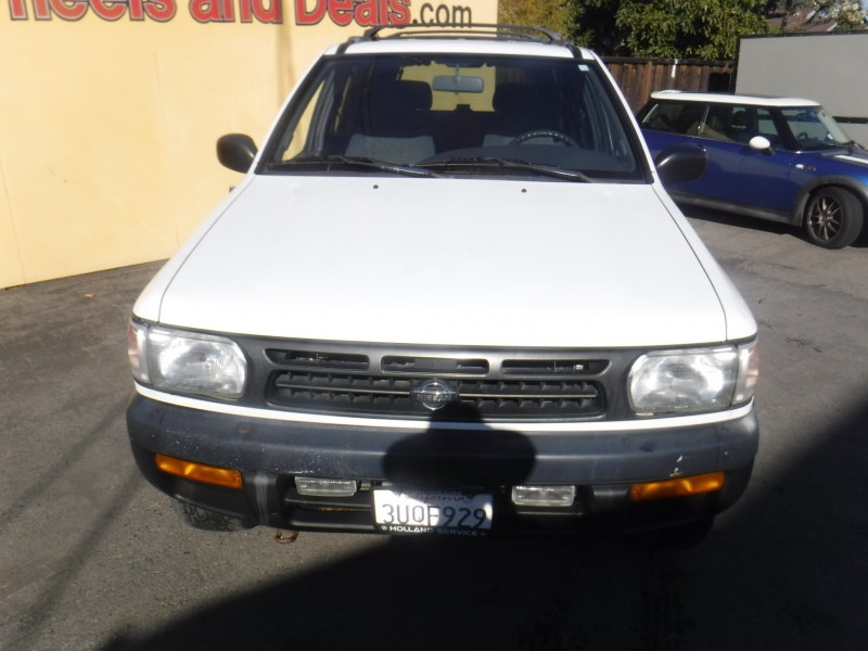 Nissan Pathfinder 1997 price Call for Pricing.